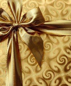 Goldenes Paket